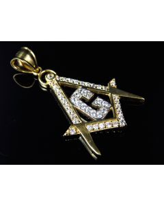 "10K Yellow Gold Simulated Diamond Encrusted Masonic Logo Pendant (1.25"")"
