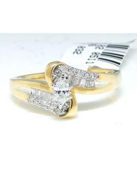 Marquise Cut Diamond Ring in 14K Yellow Gold (0.27 Ct)