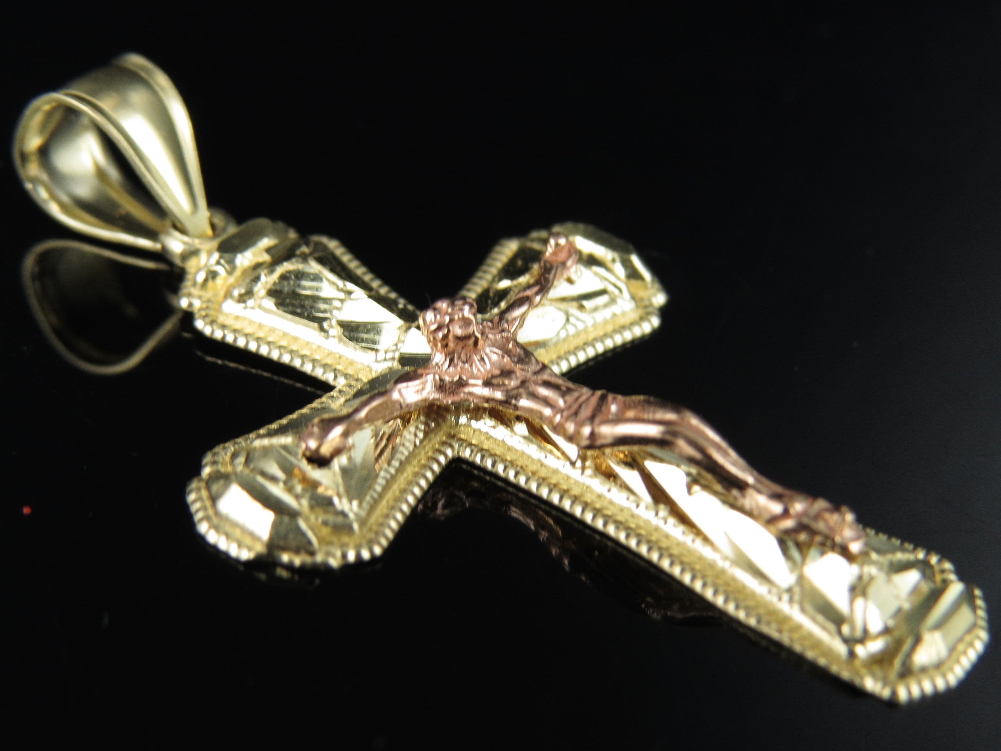 Men s 10K Yellow Gold Jesus on Cross Crucifix Pendant with Nug