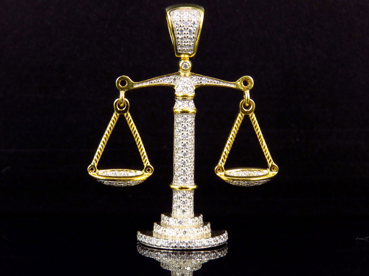 925 Sterling Silver Scales of Justice Pendant Necklace