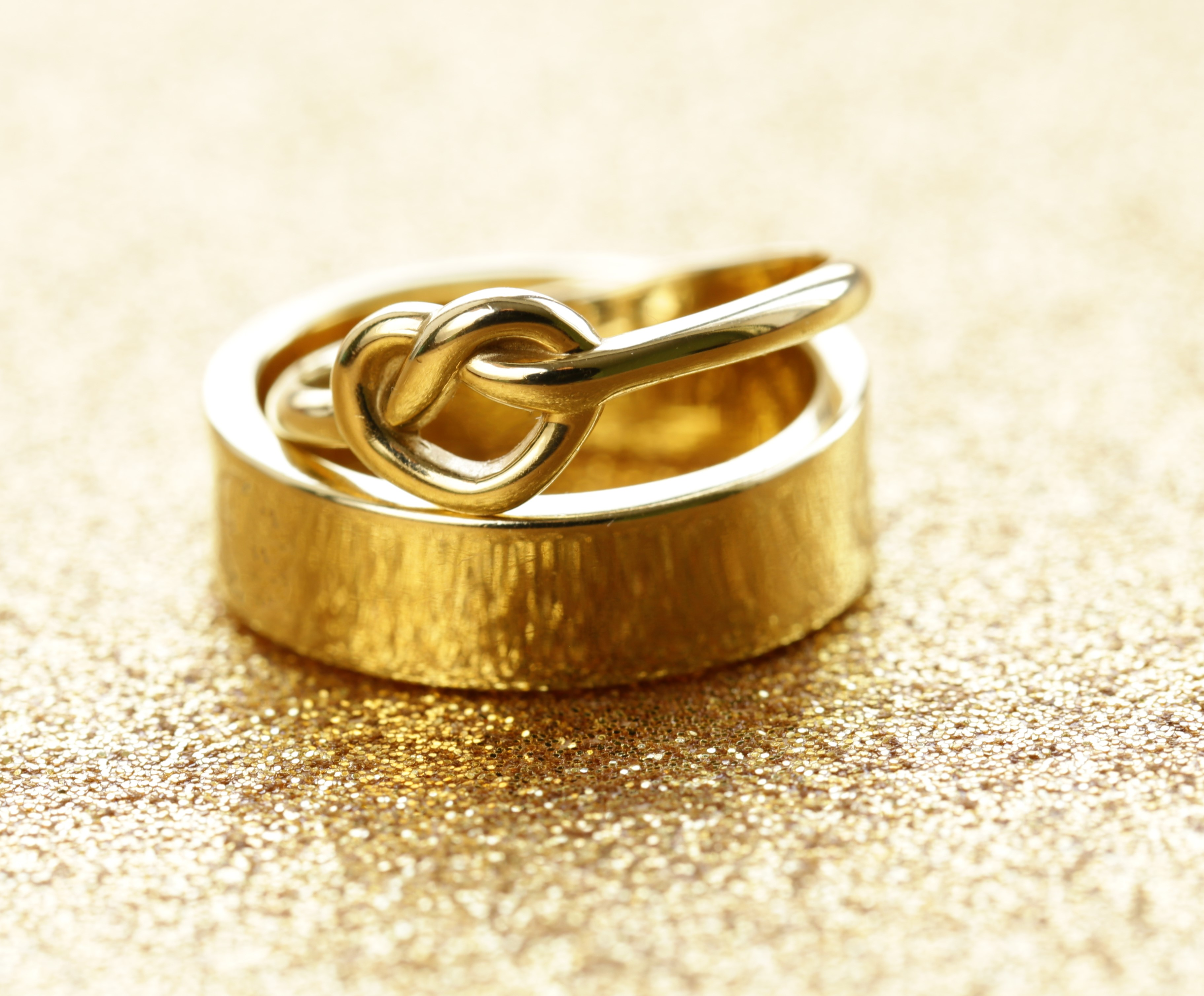The Guide to Unique Men's Wedding Bands & Weddings Rings